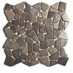 Produits naturels, ces  mosaïques en cassons de marbres palladiana gris foncé , sont montées sur...