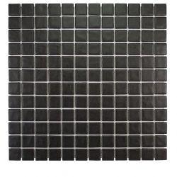 Fabriqués à partir de verre pilé, pressé puis cuit à haute température, ces émaux de verre mat...
