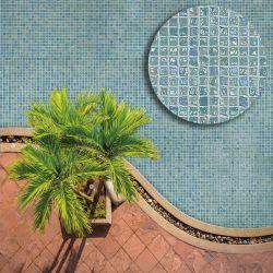 Le carrelage piscine s'invite aussi dans les pièces d'eau de la maison. Son côté déco permet...