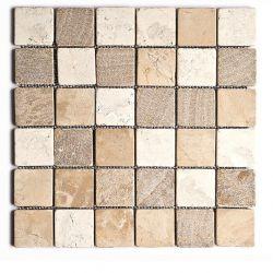 Produits naturels, ces  mosaïquesen marbres carrés 4,8x4,8 cm trois couleurs , sont montées sur...