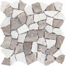 Produits naturels, ces  mosaïques en cassons de marbres palladiana blanc et beige , sont montées...
