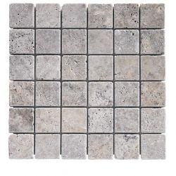 Carreaux de travertins gris vieillis 4,8x4,8 cm collés sur trame.   Produit naturel.   Son...