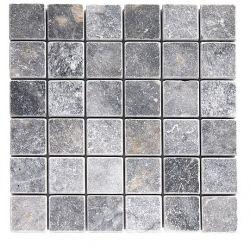 Produits naturels, ces mosaïquesen marbres carrés 4,8x4,8 cm Blue stone , sont montées sur une...