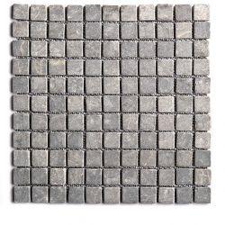 Produits naturels, ces  mosaïques en marbres carrés gris clair , sont montées sur une trame...